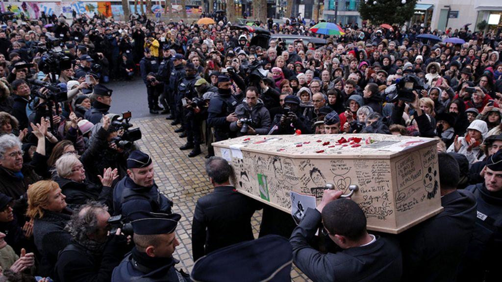 "Funeral del caricaturista de 'Charlie Hebdo, Bernard Verlhac, ""Tignous"""