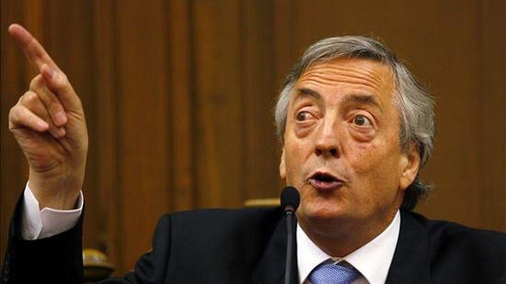 Kirchner, líder del oficialista Partido Justicialista (PJ, peronista), planea convocar también a los gobernadores alineados al Ejecutivo nacional para que se postulen por sus respectivas provincia. EFE/Archivo