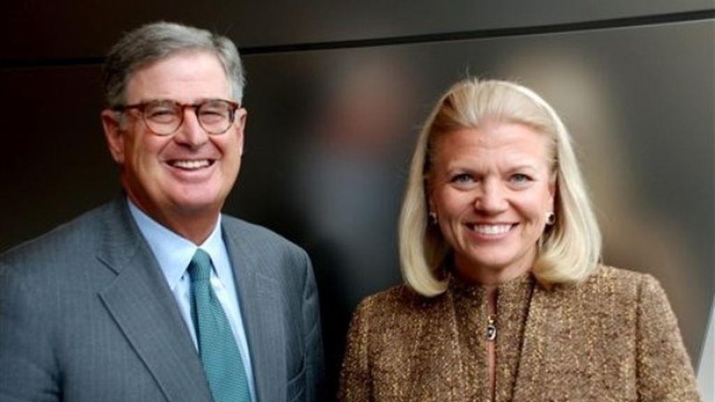 """Imagen del CEO de IBM Samuel J. Palmisano y de Virginia M. """"Ginni"""" Rometty at IBM's en Armonk, Nueva York."""