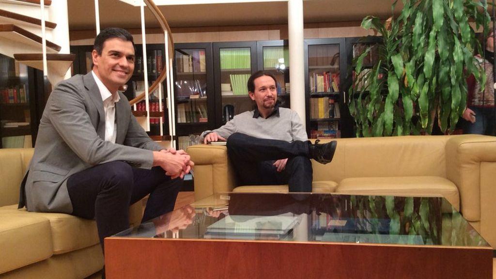 Pedro Sánchez se reúne con Pablo Iglesias en el Congreso