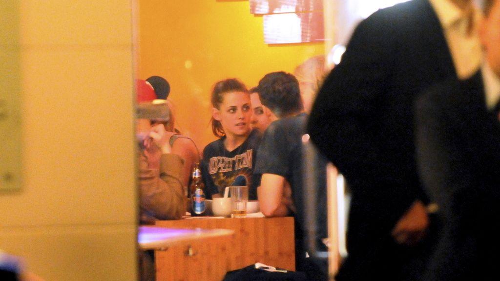 Kristen Stewart cambia a su vampiro por otro en Berlín