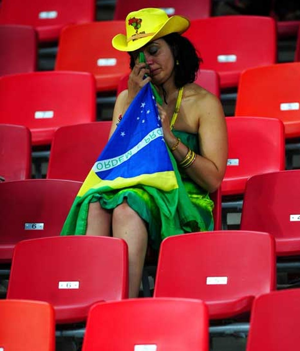 Tristeza y desolación, sentimientos de la afición brasileña tras la derrota ante Holanda