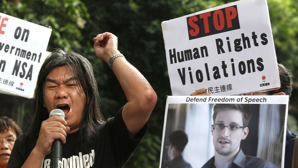 Manifestación en Hong Kong en apoyo a Edward Snowden