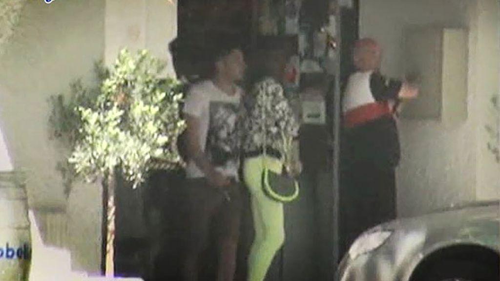 Kiko Rivera se fotografía con Triana y Jessica pasea con Peleteiro