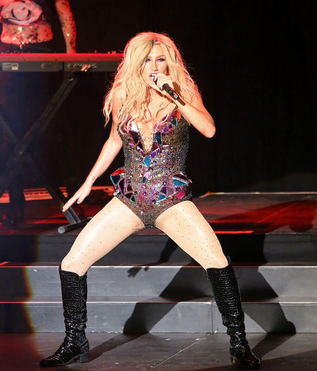 Kesha destapa cómo era su anatomía al nacer