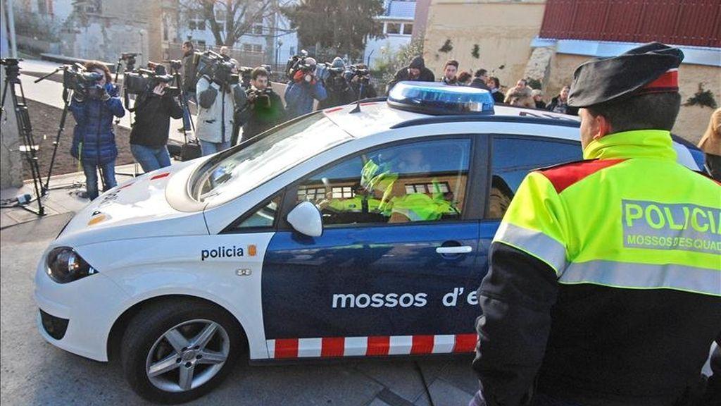 La abogada Nuria Masó, defensora de Pere Puig, el autor confeso de la muerte a tiros de cuatro personas en Olot, ha asegurado hoy que existía un móvil económico y que uno de los fallecidos, el constructor Joan Tubert, había requerido a Puig para que firmara su despido. EFE/Archivo