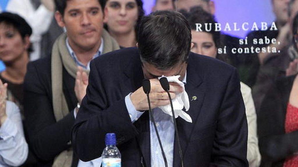 Patxi López, llora al recordar a las víctimas de ETA
