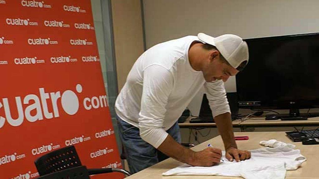 Frank de la Jungla regala su camiseta firmada
