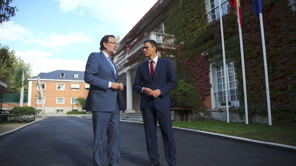 Rajoy se reúne con Sánchez para trabajar en común por la unidad de España