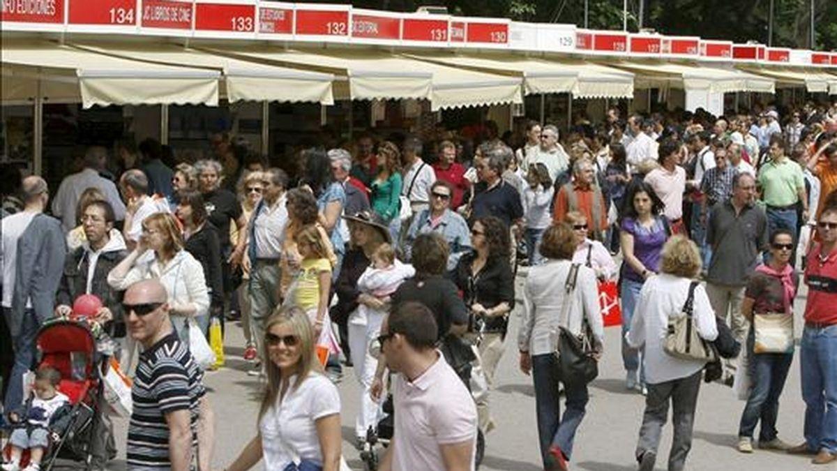Aspecto de la Feria del Libro, en el parque de El Retiro de Madrid. EFE/Archivo