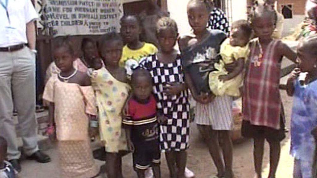 Los pequeños sufren de hambre en Sierra Leona