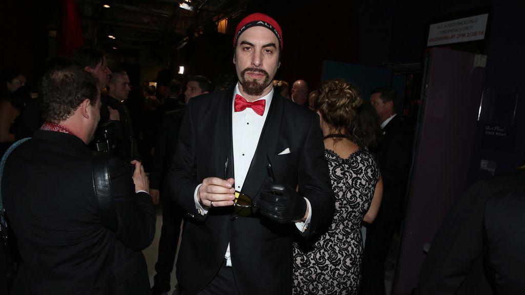 Sacha Baron Cohen puso su nota de humor en la ceremonia de los Óscar