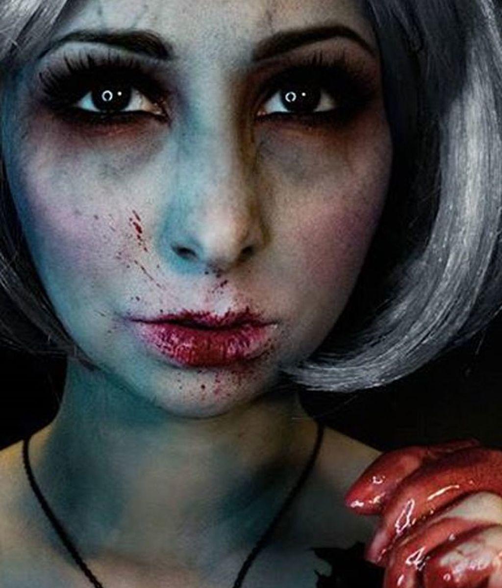 Andrea de la Ossa se convierte en los monstruos con los que nunca querrías soñar