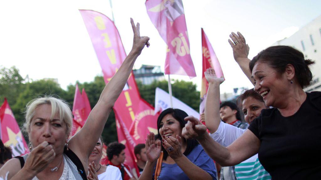Manifestantes protestan contra Erdogan en Ankara, Turquía