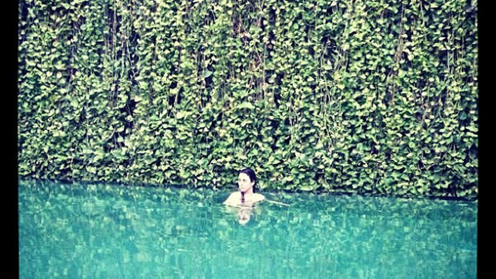 El baño más relajante de la actriz de 'Los amantes pasajeros'