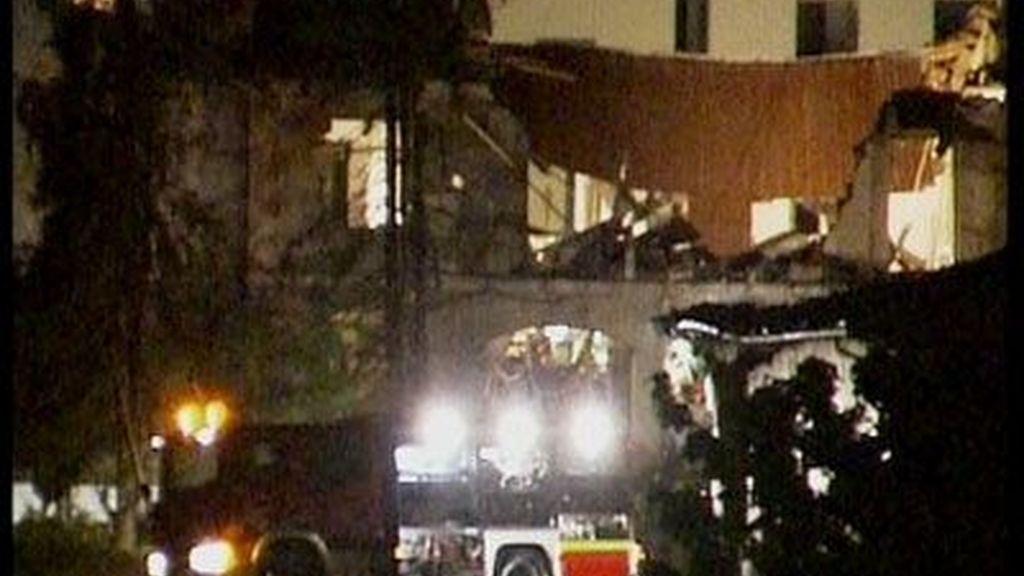 Un coche de Bomberos acude al lugar de la explosión