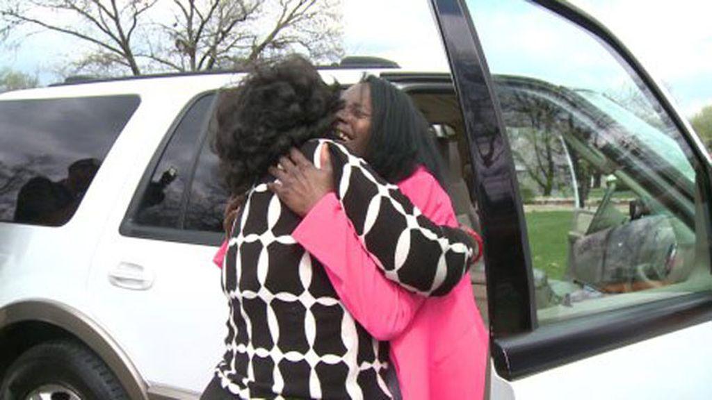 Se encuentra con su hija 50 años después de haberla dado por muerta al nacer