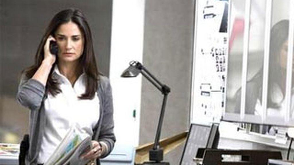 Imagen de la actriz en su papel de policía en una de sus películas.