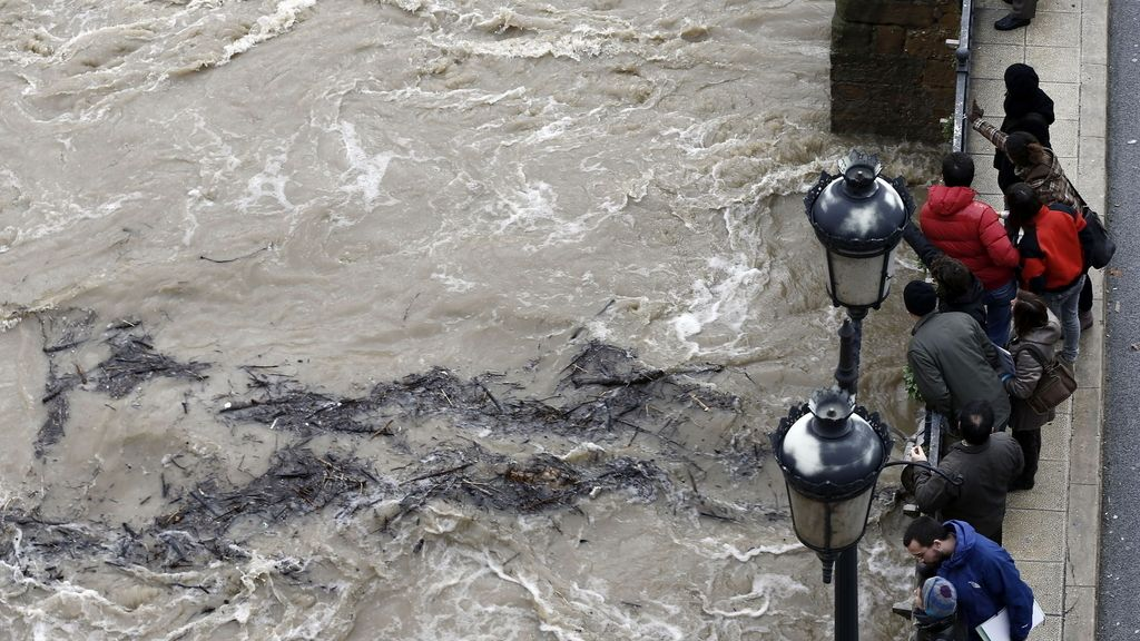 Desbordamiento del río Ega en Navarra por el temporal