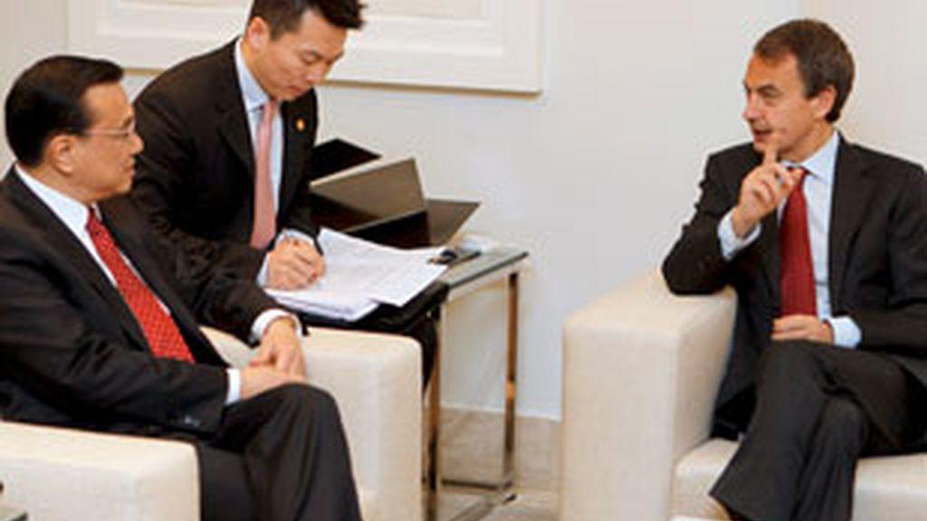 José Luis Rodríguez Zapatero se ha reunido con el viceprimer ministro chino, Li Keqiang. Vídeo: ATLAS