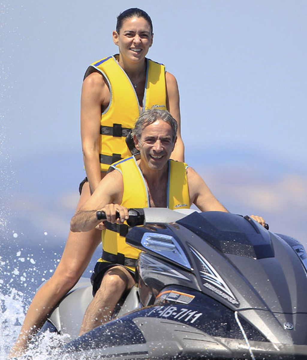 Imanol Arias e Irene, 'Vigilantes de la playa'