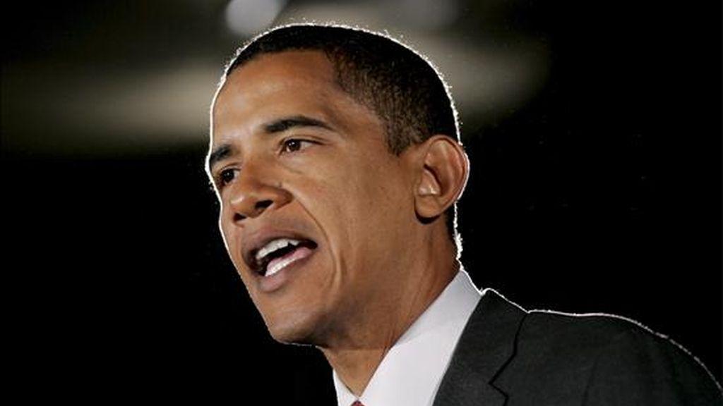 """Obama, que durante la semana anunció el envío de 4.000 soldados adicionales a Afganistán, señaló que """"hay que ir con una estrategia enfocada, que se concentre en la derrota de Al Qaeda"""". EFE/Archivo"""