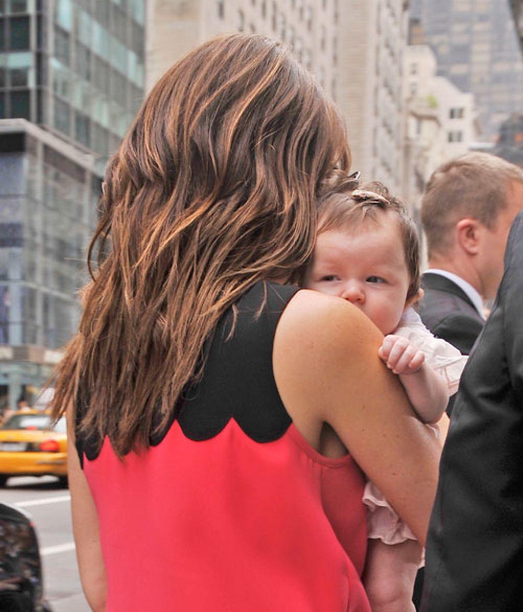 Victoria Beckham se lleva a la pequeña Harper Seven de compras