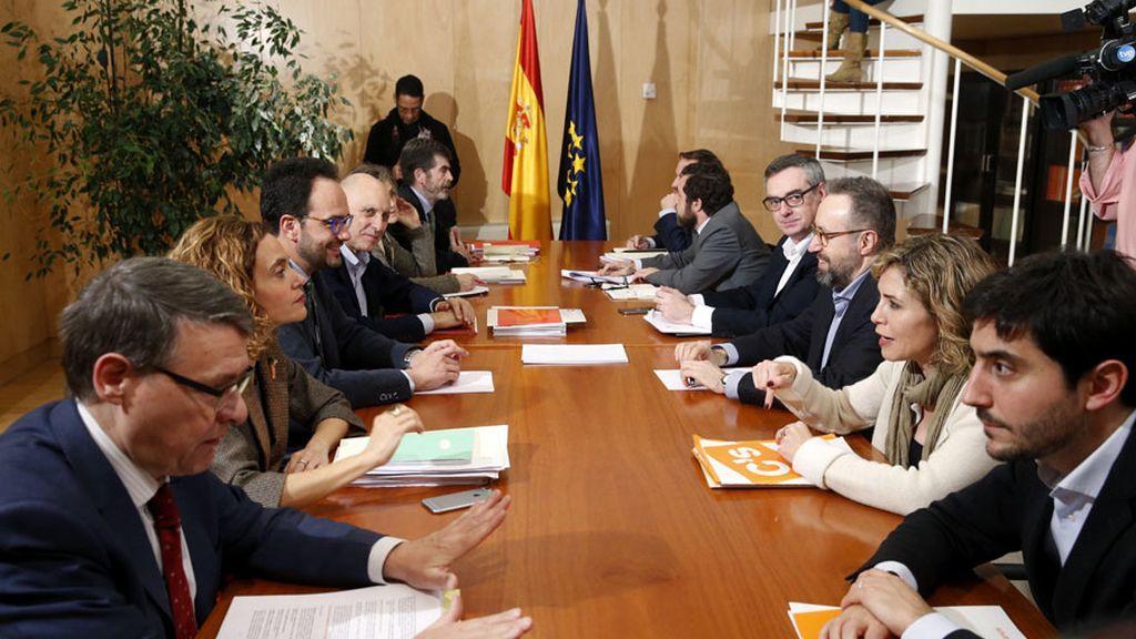 Reunión entre PSOE y Ciudadanos