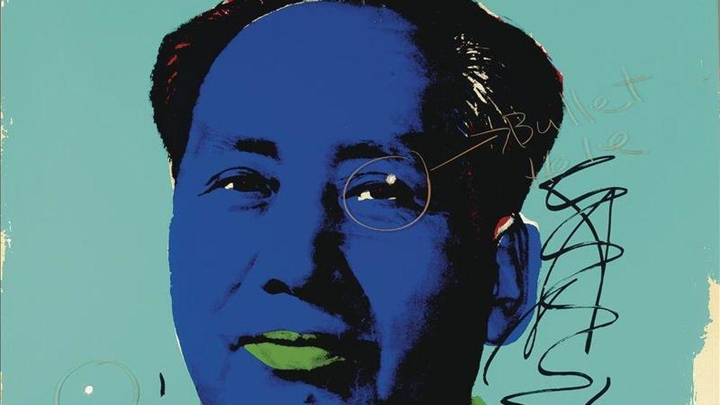 Imagen cedida por Christie's de un retrato de Mao Zedong realizado por Andy Warhol, perteneciente a la colección del fallecido actor Dennis Hopper, que fue vendido por 302.500 dólares (233.370 euros). EFE