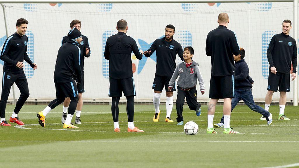Los jugadores del Barça disfrutaron como niños (15/03/2016)