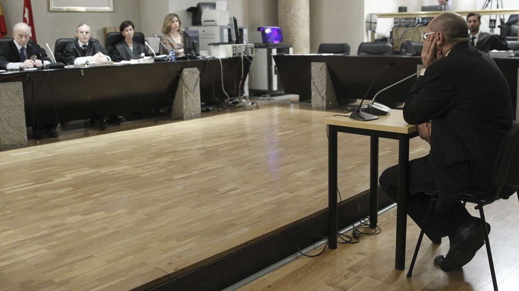 Elpidio José Silva en el banquillo
