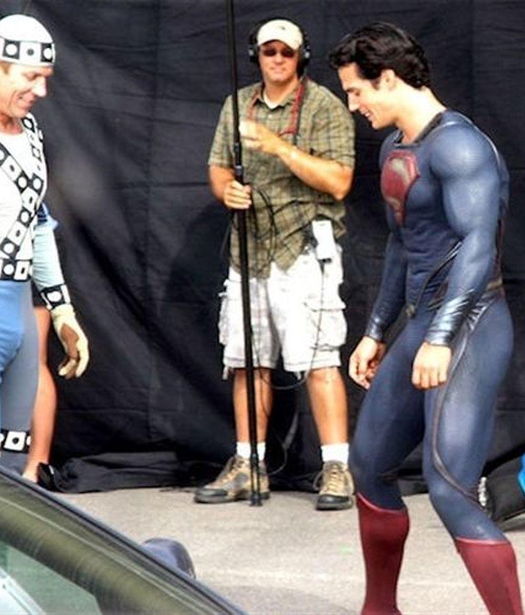 La nueva versión de Superman, el hombre de acero, se rueda en Illinois. Al mítico superhéroe le han quitado los calzones rojos para modernizar su estética.