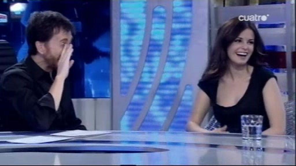 Pablo casi toca una teta a Marta Torné