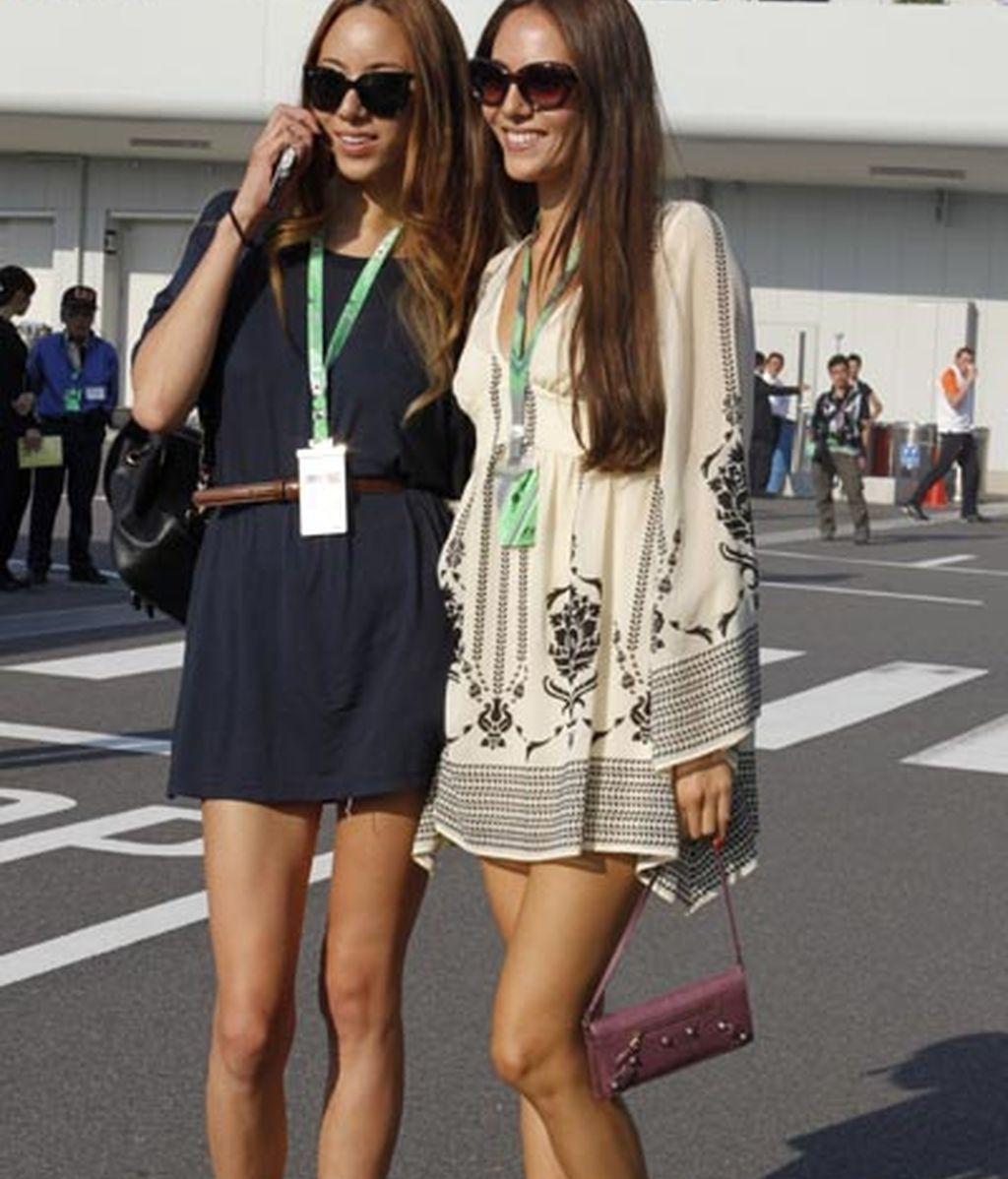 La modelo y novia de Vettel, Michibata, y su hermana