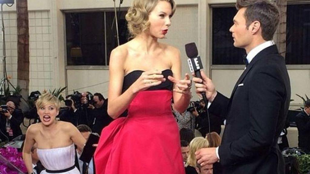 Jennifer bromea en la alfombra roja
