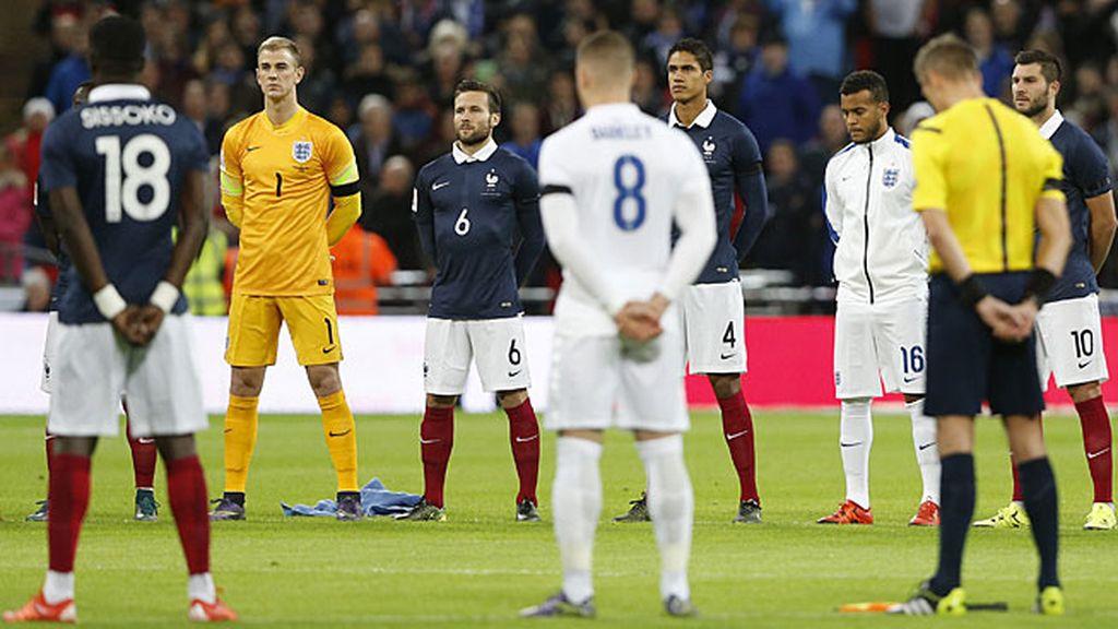 El himno francés fue cantado por todo el estadio