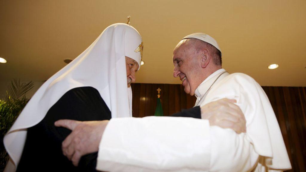 """El Papa, al reunirse con el patriarca ortodoxo de Rusia tras casi 1.000 años: """"Finalmente"""""""