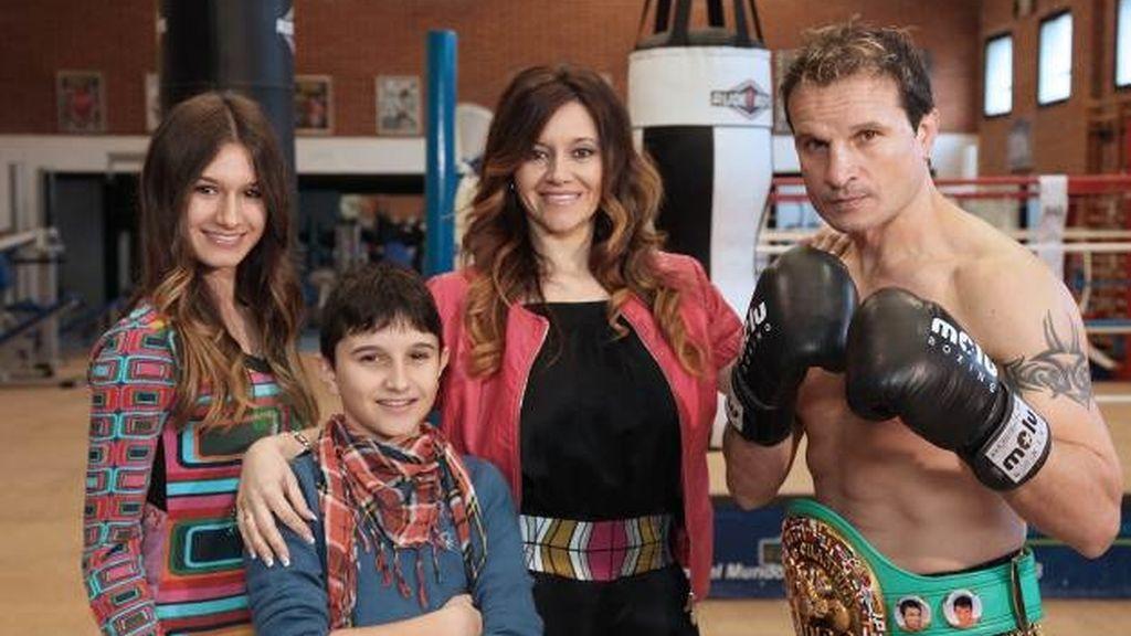 La familia del campeón del mundo de boxeo Javier Castillejo, en 'Me cambio de familia'