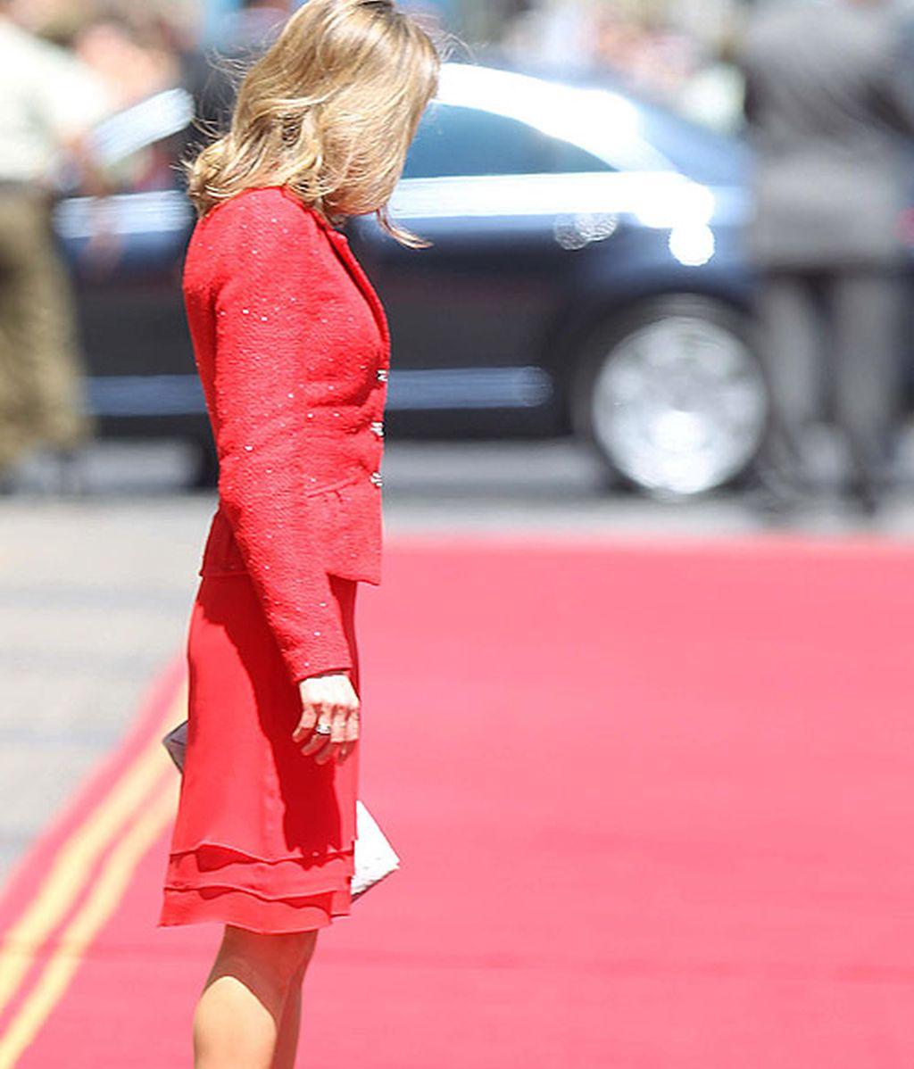 Letizia, mismo look e idénticos complementos que en un acto de 2008