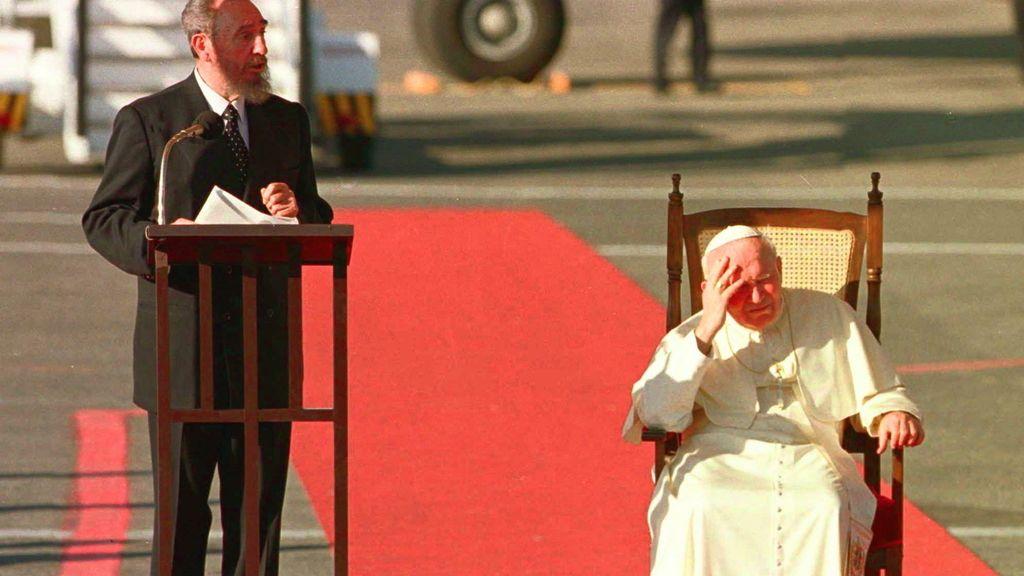 Castro, con Juan Pablo II