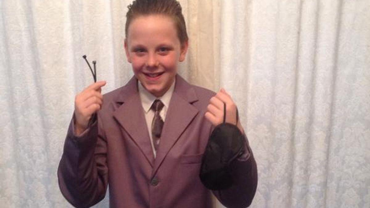 Un niño disfrazado del protagonista de 50 sombras de Grey alarma a Reino Unido