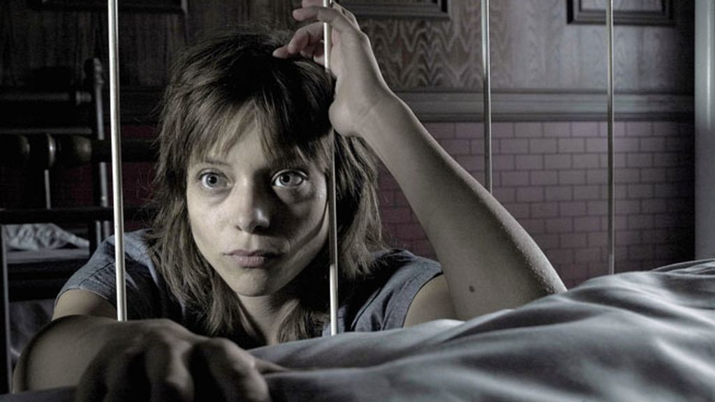Lizzie Brochere es Grace