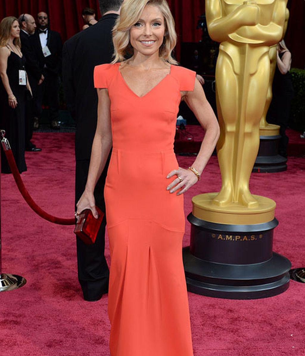 Kelly Ripa en la alfombra roja de los Oscars