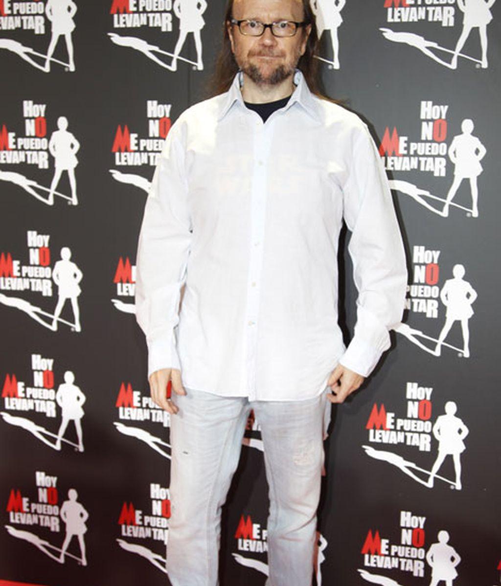 Santiago Segura combinó camisa y vaqueros