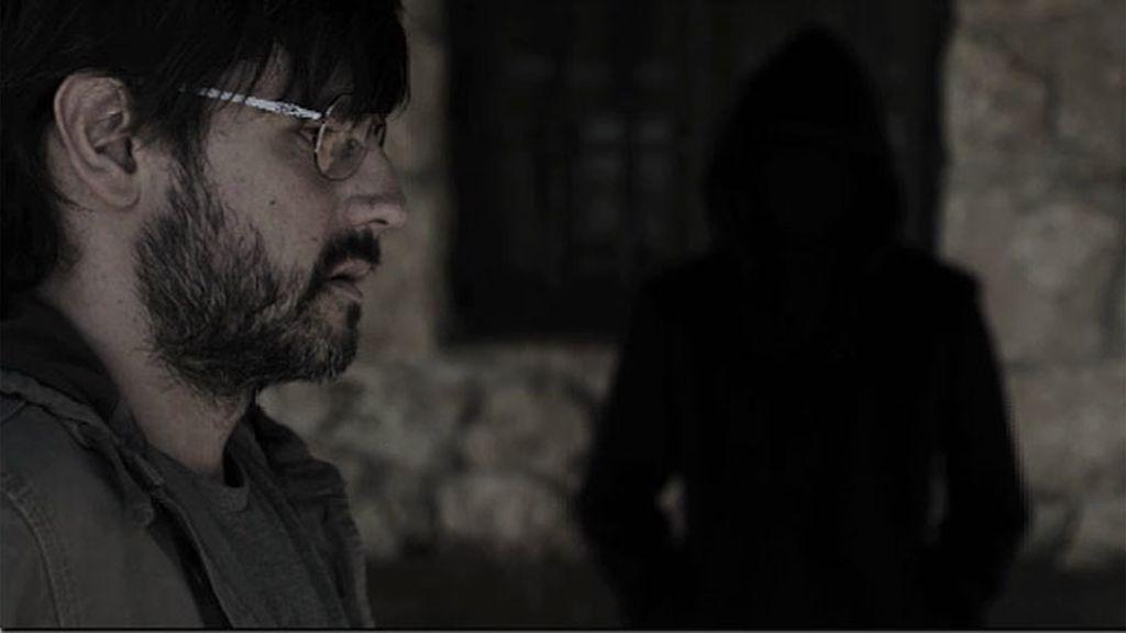 Gabriel decide no escuchar al hombre sin rostro, pero él no se dará por vencido