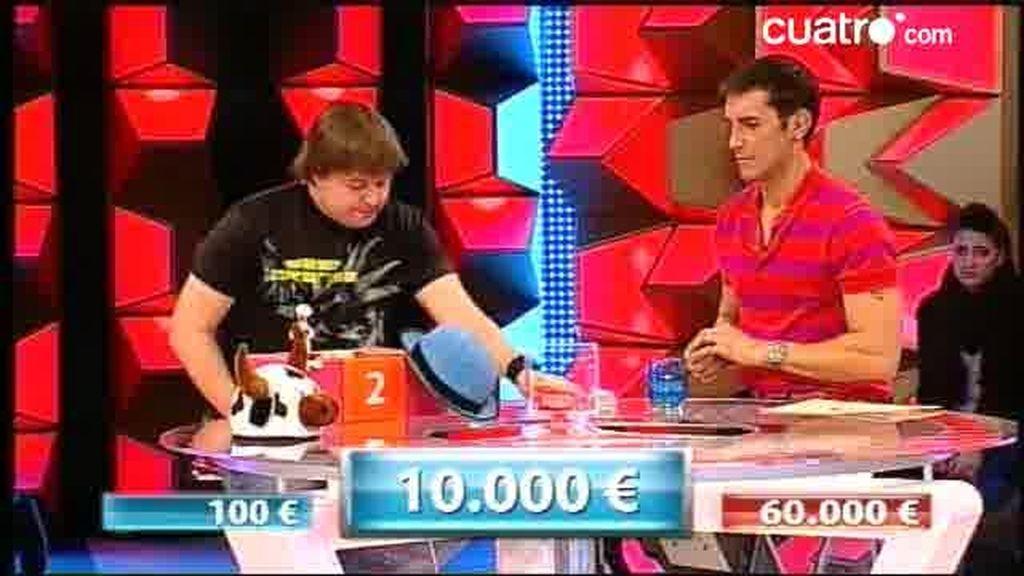 Endika  vende su caja por 10.000 euros