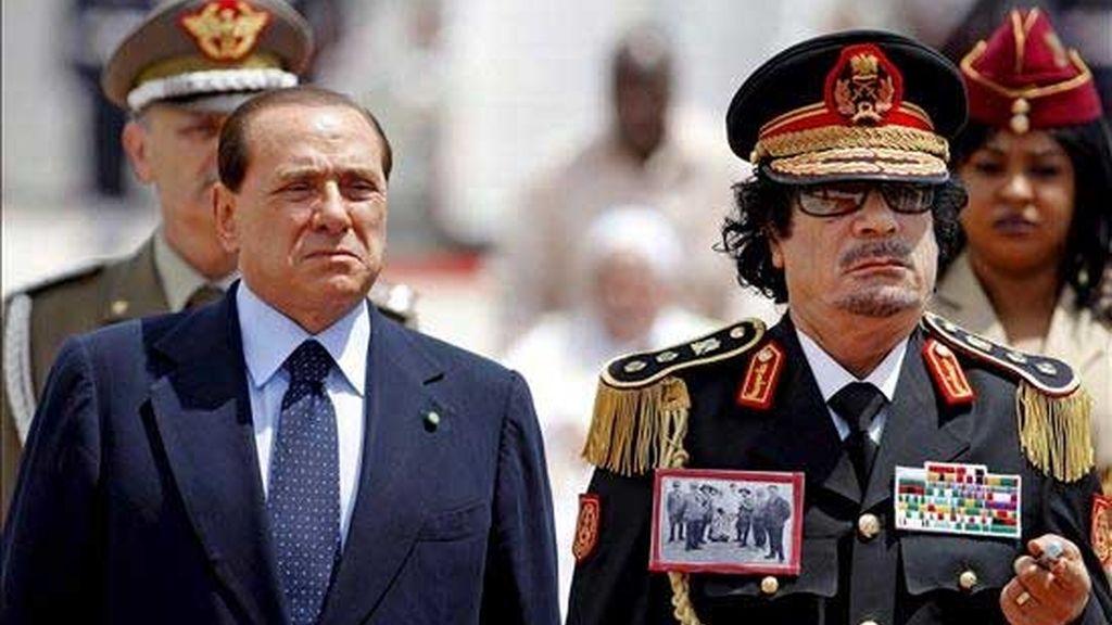 Gadafi, desafiante en Italia
