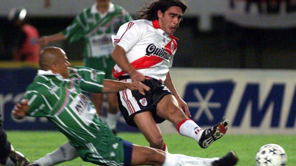 Sorín: dos títulos en dos años:en el 96, la Champions, en el 97, la Libertadores
