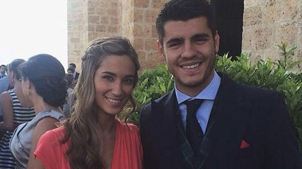 Álvaro Morata, con su pareja María Pombo