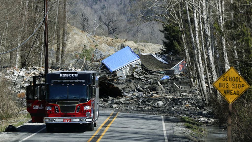 Tratan de localizar a 108 desaparecidos en los deslizamientos de tierra en Washington